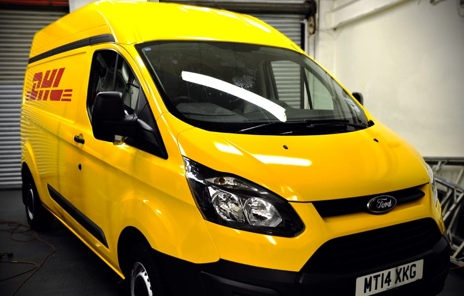Full Wrap from white to yellow over a Ford Transit Custom